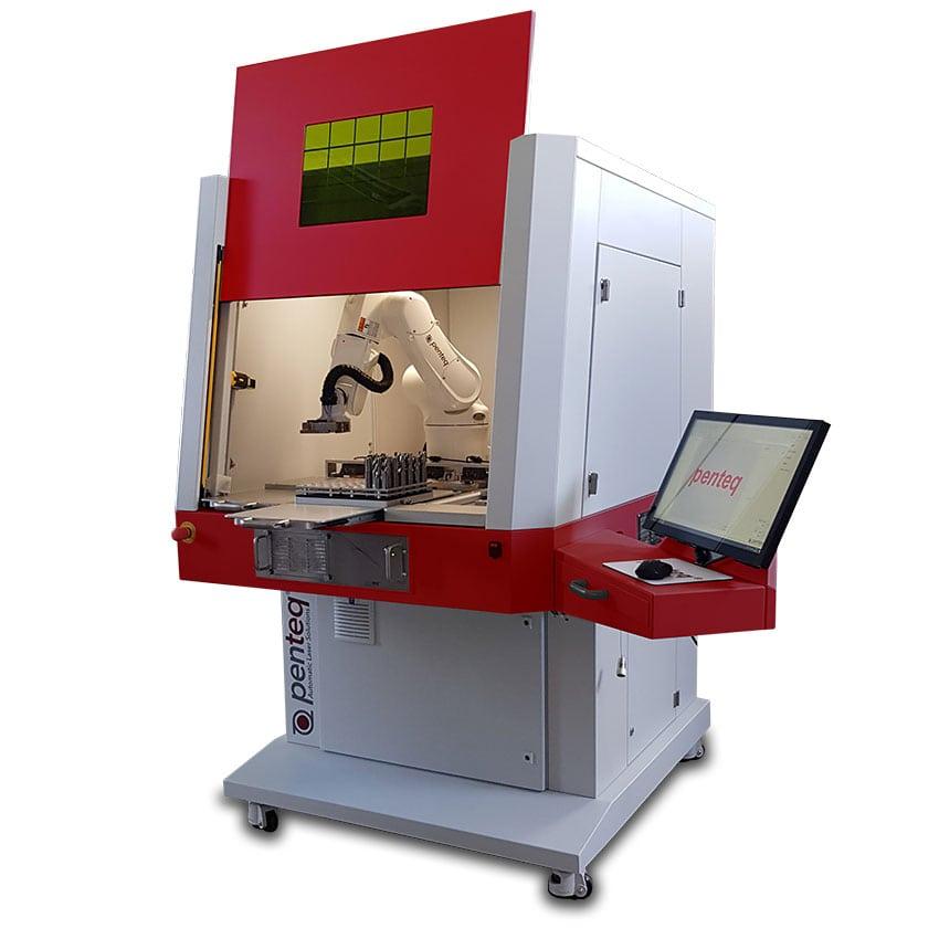 Laserworkstation LG 300 Robo für das automatische Beschriften von Werkzeugen oder einer hohen Stückzahl kleiner, palettierbarer Werkstücke.
