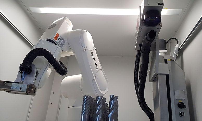Roboter für Fräswerkzeuge